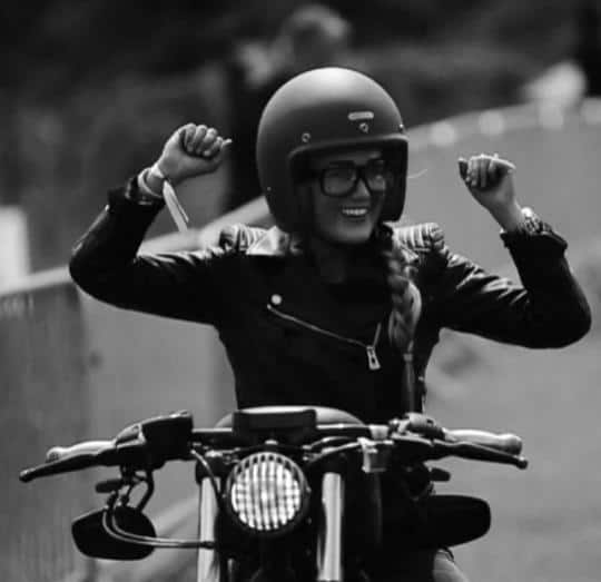 girls on motorcycles 17