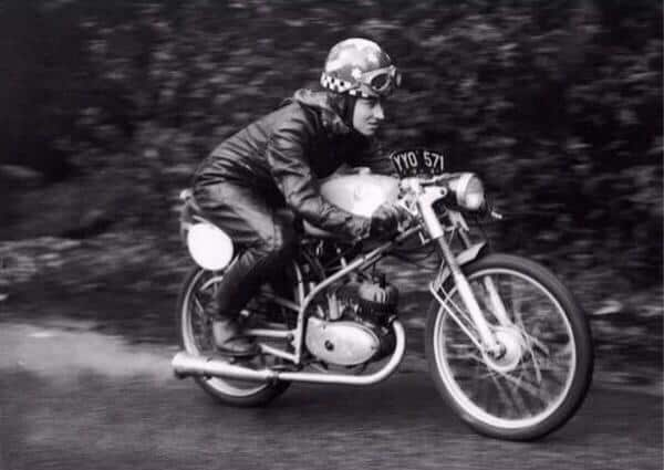 girlsonbikes35