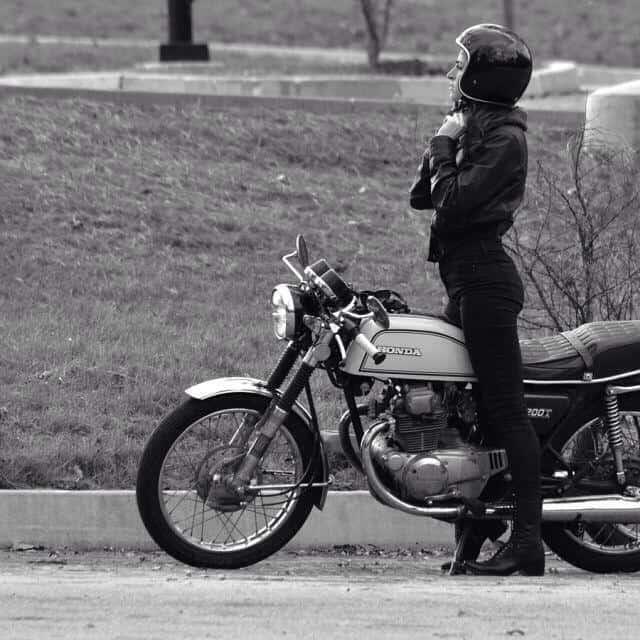 girlsonbikes43