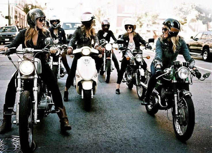 girlsonbikes54