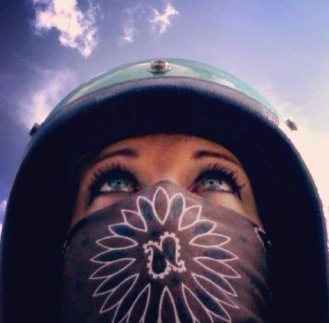 helmet girl1