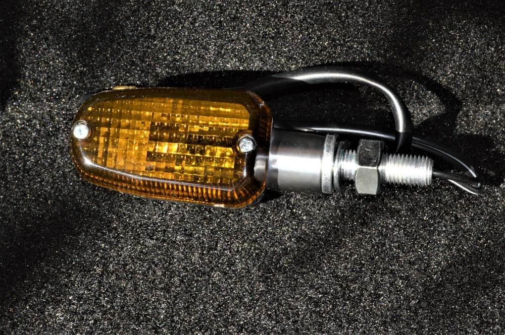 Single Filament Universal Black Aluminum Motorcycle Turn Signals Smoke Lens