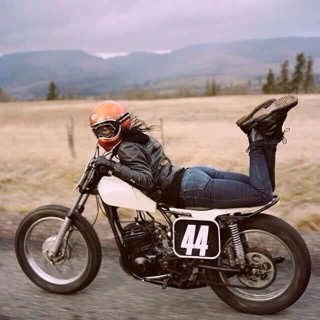 girlsonbikes12