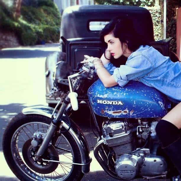 girlsonbikes72
