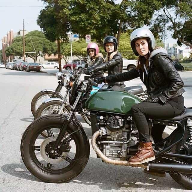 girlsonbikes77